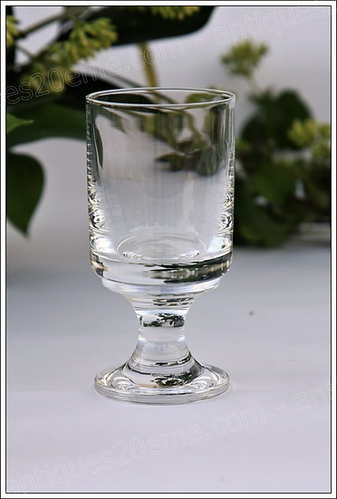 Verres à vin en cristal du service Baccarat Diabolo, Baccarat crystal wine glasses