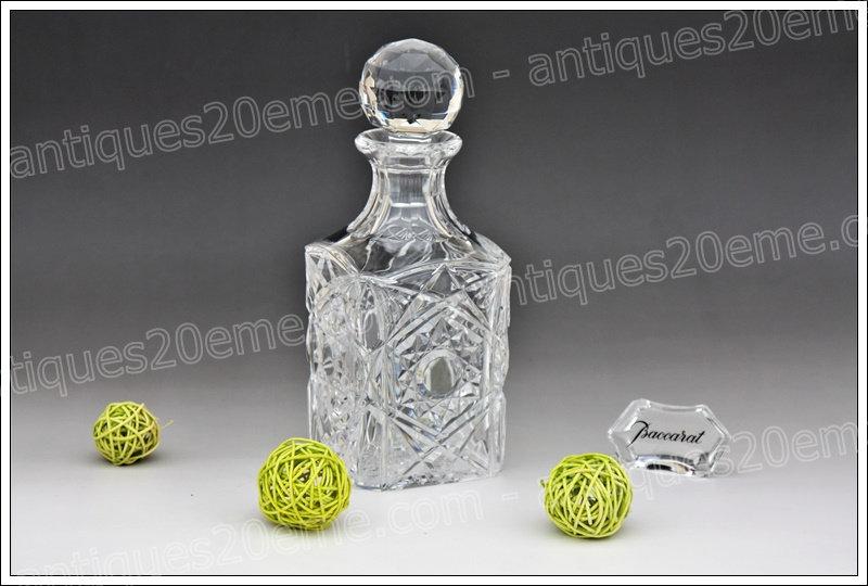 Carafe à whisky en cristal du service Baccarat modèle Lagny, Baccarat Lagny crystal whisky decanter carafe