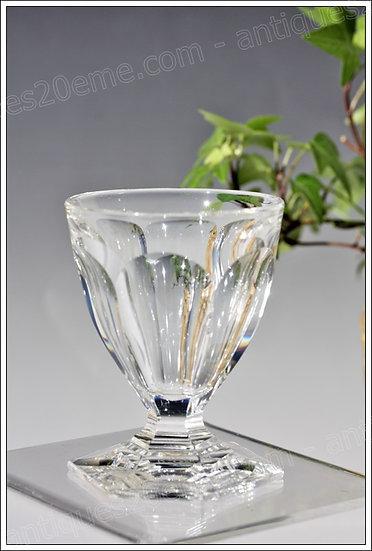 Verre à vin en cristal de Baccarat service modèle Bourbon, Baccarat crystal wine glass