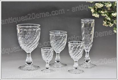 Service verres cristal Baccarat modèle Tors