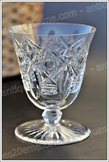 Verre à vin en cristal de Baccarat modèle service Beaujeu, Baccarat crystal wine glass