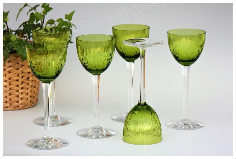 Verres à vin du Rhin ou Roemer en cristal de Baccarat modèle service Molière, Baccarat crystal Roemer glasses