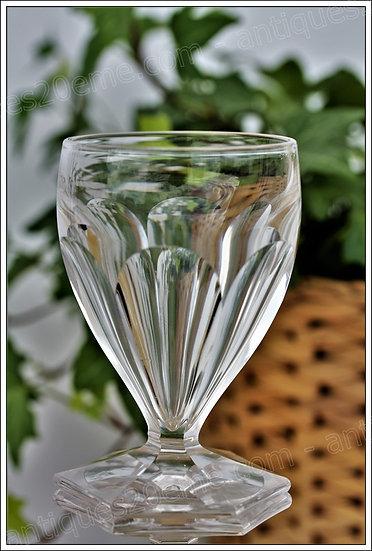Verre à vin en cristal du service St Louis Poincaré, St Louis crystal wine glass