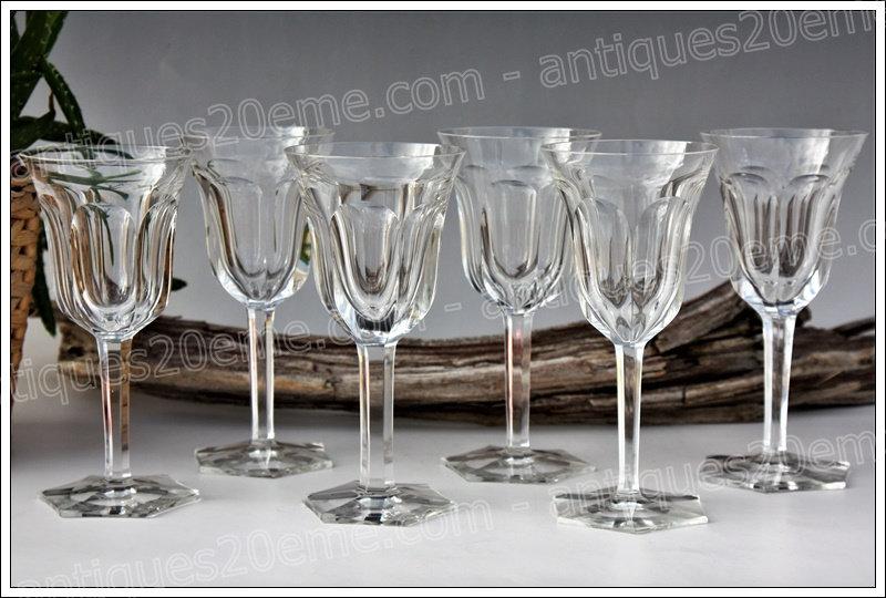 Verres à vin en cristal du service Baccarat Malmaison, Baccarat crystal wine glasses