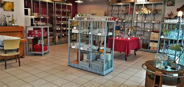 Boutique Antiques20ème 18 Le Louchardes 21340 La Rochepot