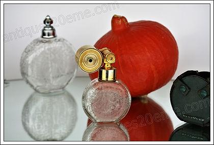 Articles de toilette, vaporisateurs à parfum en cristal de Baccarat