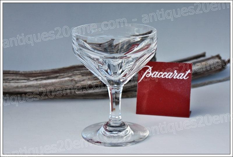Coupe à champagne du service en cristal Baccarat Duchesse de Dino, Baccarat crystal champagne glass