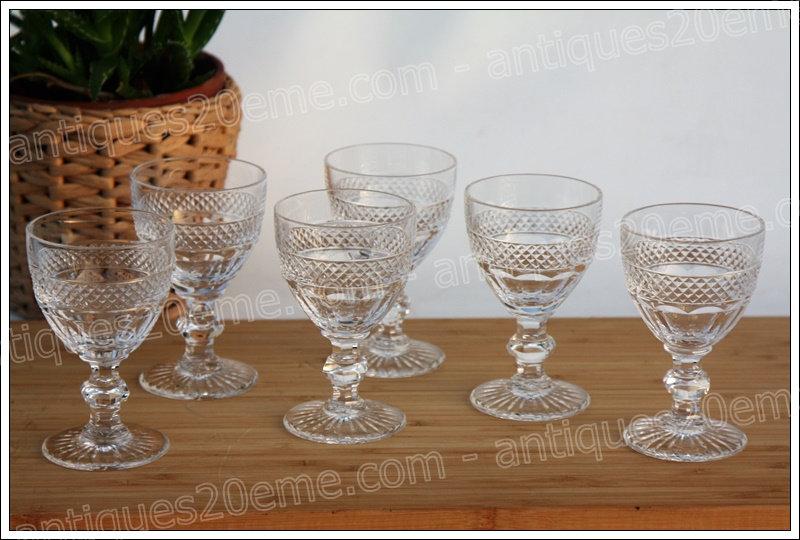 Verres à vin en cristal de St Louis modèle Trianon, St.Louis crystal wine glasses