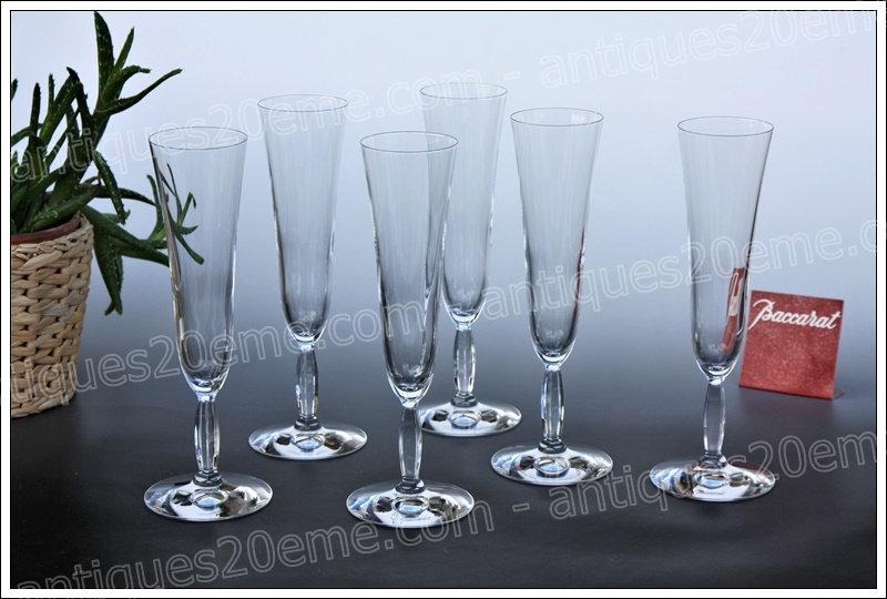 Flûtes champagne verres du service en cristal Baccarat Onde, Baccarat crystal champagne flutes glasses