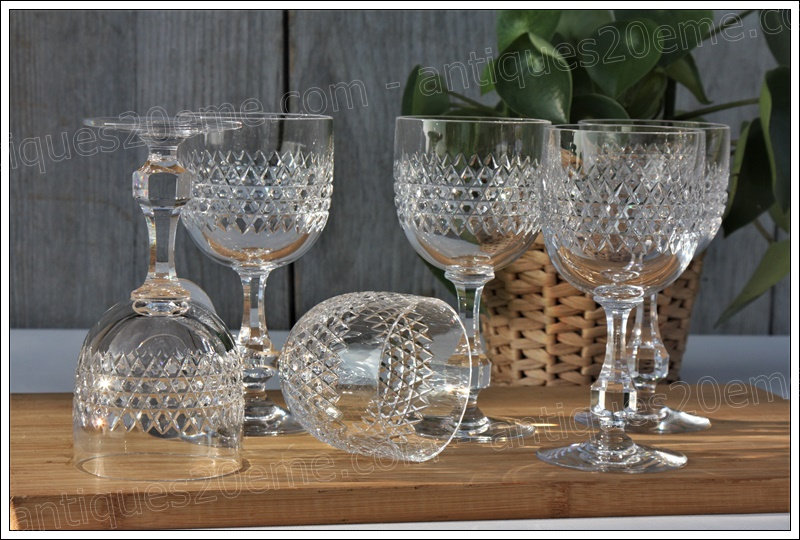 Verres à vin en cristal de Baccarat du service Lucullus, Baccarat crystal wine glasses