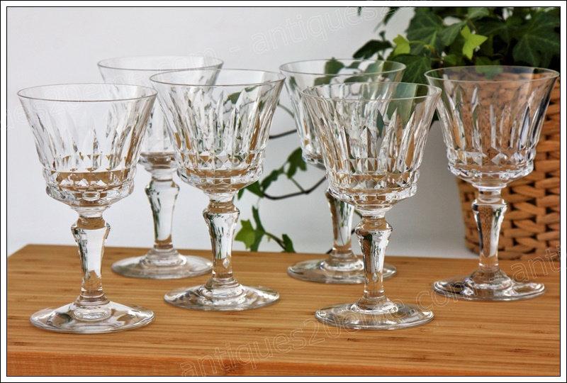 Verres à vin en cristal de Baccarat du service Piccadilly, baccarat crystal wine glasses
