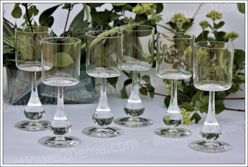 Verres à vin en cristal du service Baccarat José, baccarat crystal wine glasses