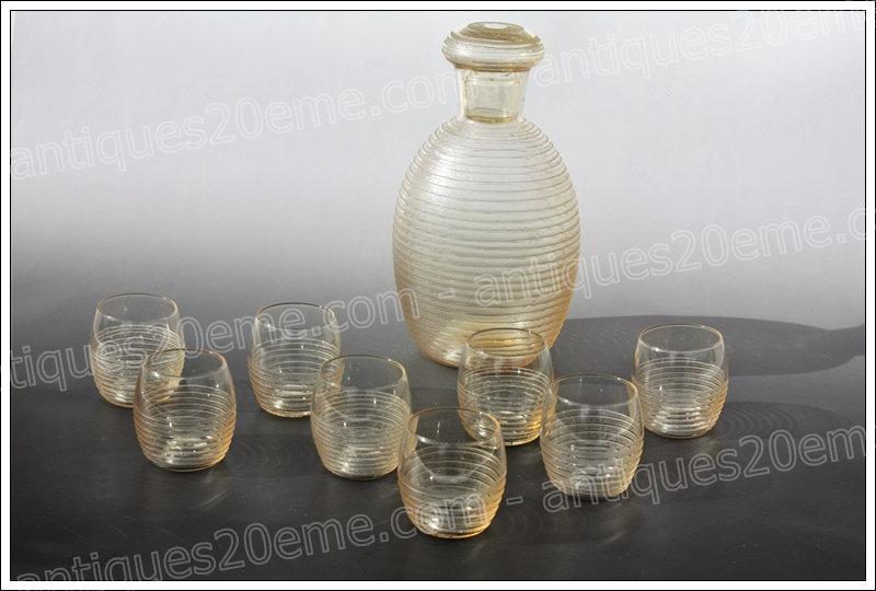 Service à liqueur en cristal de Daum Art Déco carafe et verres, Daum crystal liquor service glasses decanter