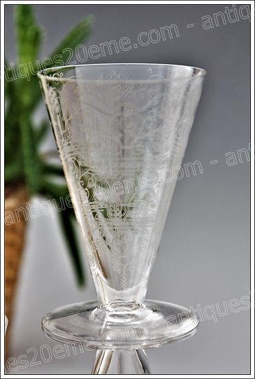 Verres à vin en cristal de Baccarat modèle service Lido Art Déco, Baccarat crystal wine glasses
