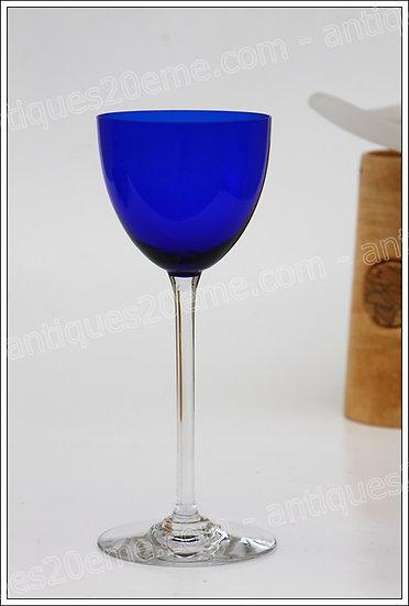 Verre à vin du Rhin (Roemer) en cristal du service Baccarat Perfection, Baccarat crystal Roemer wine hock glass