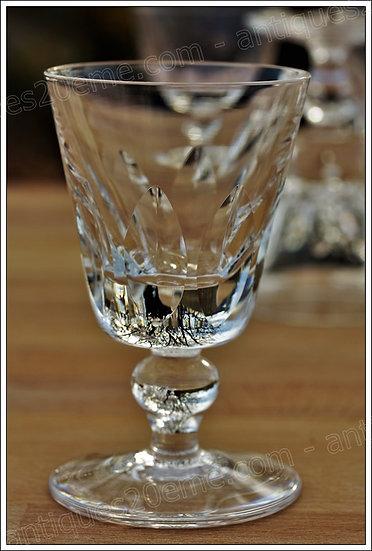 Verre à vin cuit ou Porto en cristal du service St Louis modèle Jersey, St Louis crystal port wine glass