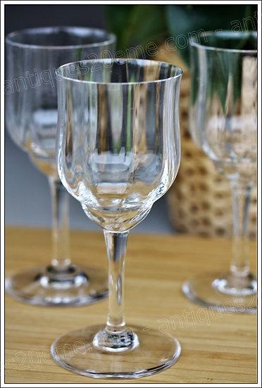 Verres à vin du service en cristal Baccarat Capri, Baccarat crystal wine glasses