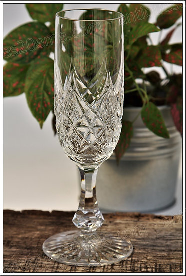 Flûte verre à champagne en cristal du service Baccarat Colbert, Baccarat crystal Champagne flute glass