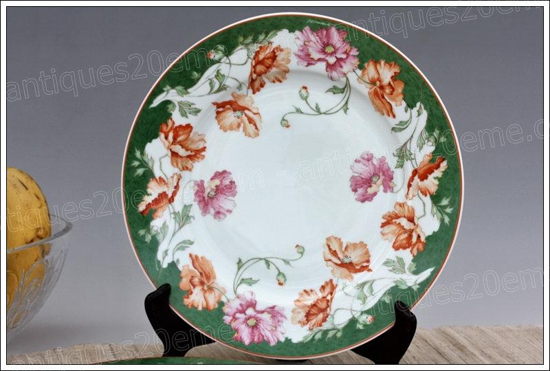 Assiette à dîner en porcelaine de Limoges Bernardaud, Limoges Bernardaud porcelain dinner plate