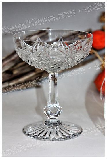 Coupe à champagne en cristal de Baccarat du modèle service Colbert, Baccarat crystal champagne glass