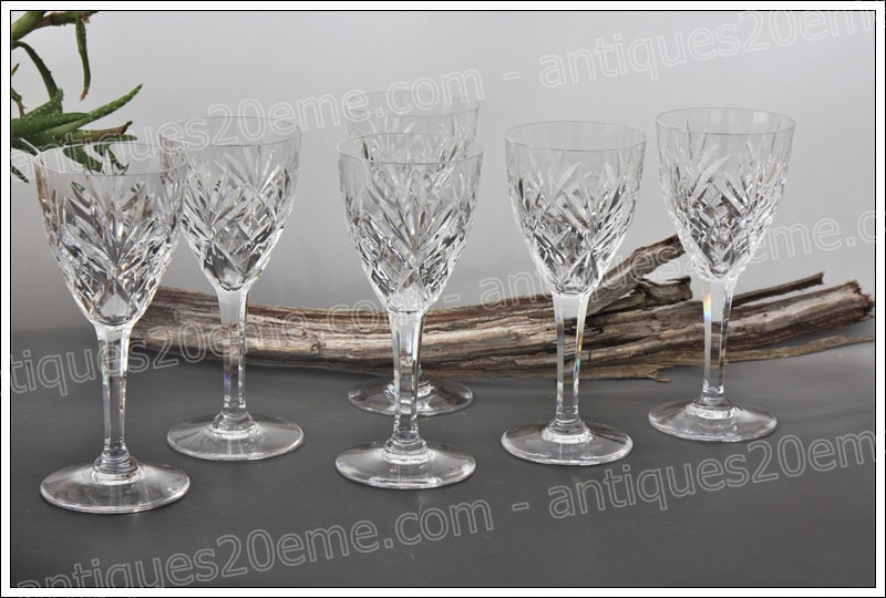 Verres à vin en cristal de Saint-Louis modèle service Chantilly, St.Louis crystal wine glasses