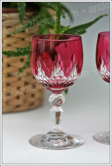 Verres à vin du Rhin du service en cristal Baccarat Nemours, Baccarat crystal Roemer glasses