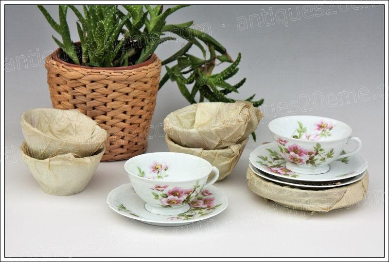 Tasses à thé en porcelaine Giraud de Limoges Eglantier, Limoges Giraud porcelain tea cups