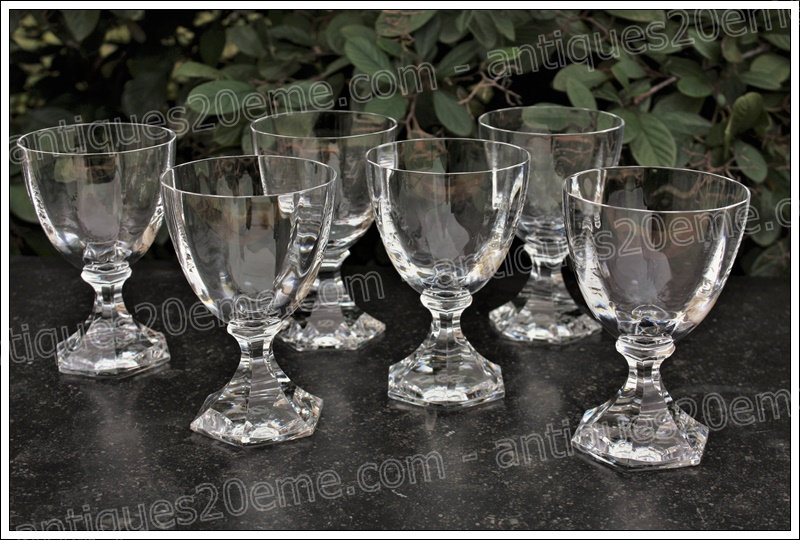 Verres à vin du service en cristal St Louis St Cloud, St Louis crystal wine glasses