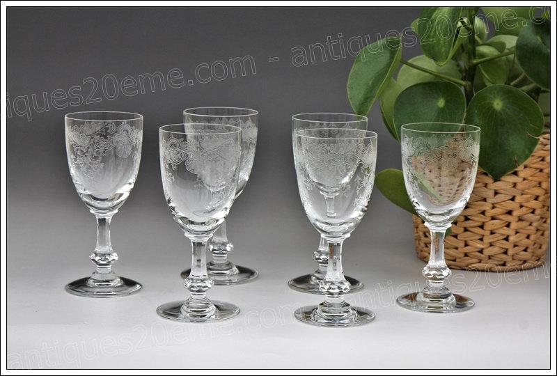 Verres à vin de Bourgogne en cristal du service St Louis Cléo, St Louis crystal wine glasses