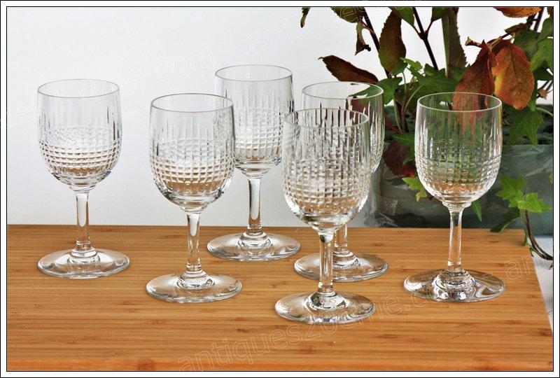 Verres à vin en cristal Baccarat du service modèle Nancy, Baccarat crystal wine glasses
