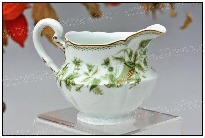 Crémier en porcelaine de Limoges Haviland A la corne, Limoges Haviland porcelain sugar pot