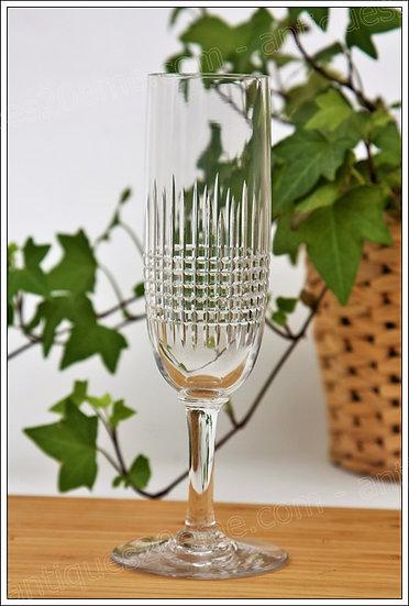 Verre flûte à champagne en cristal de Baccarat modèle service Nancy, Baccarat crystal champagne flute glass