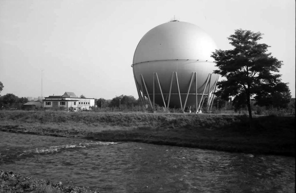 Gaskugelbehälter und Betriebsgebäude an der Dreisam | 19.09.1968