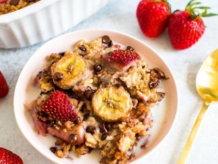 Recipe: Strawberry Banana Baked Oatmeal