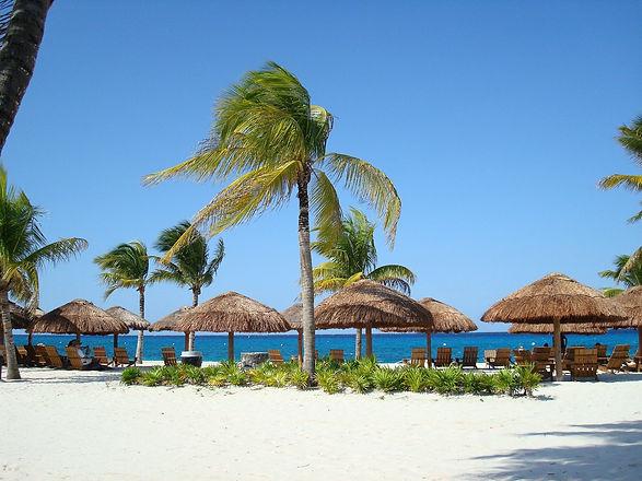 beach-144571_1920.jpg