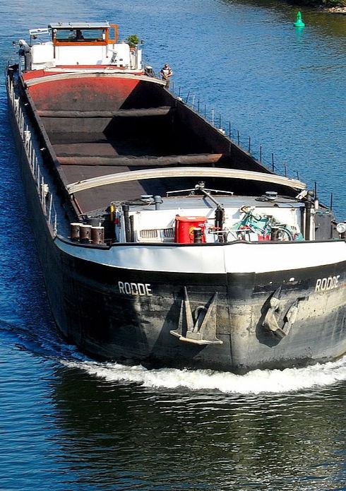 freighter-346275_1280_edited.jpg