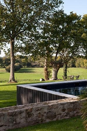piscine arbres chêne chambre d'hôtes golfe du morbihan hotel piscine sauna calme vannes charme