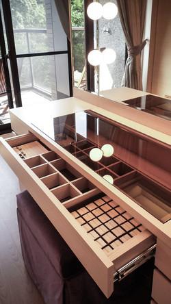 室內設計思考的重點之一 | 女主人的化妝桌
