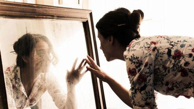 Femme miroir.jpg