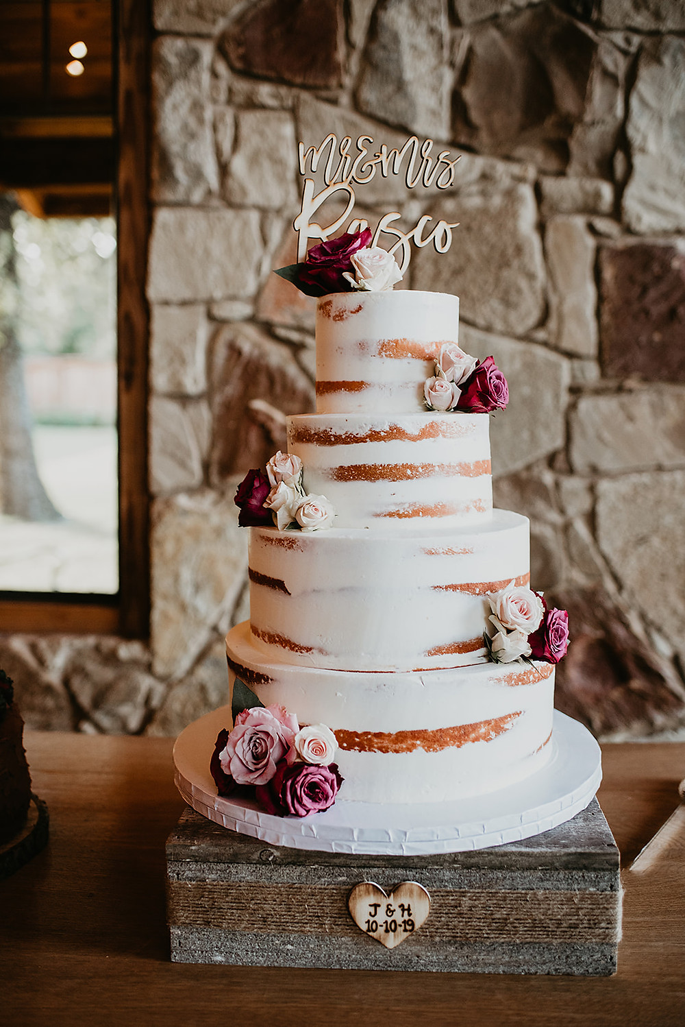 The springs event wedding venue, denton Texas, north Texas wedding photographer, Mckinney wedding venue , wedding cake, naked wedding cake