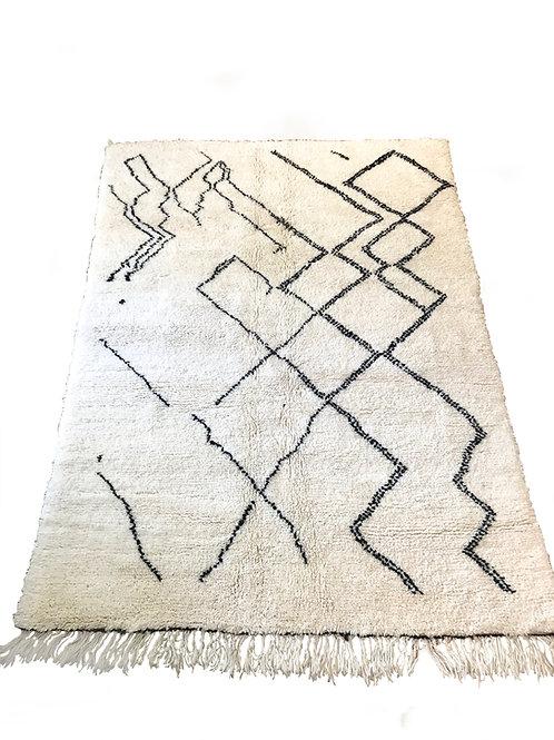Tapis berbère noir et blanc abstrait