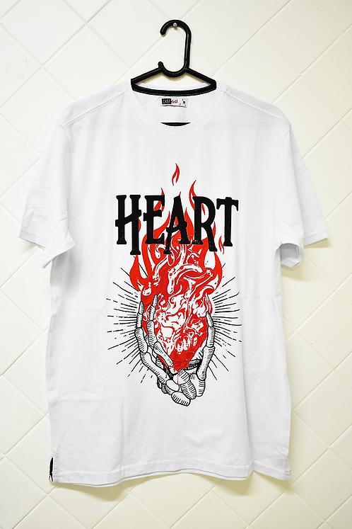Camiseta Masculina Branca Heart