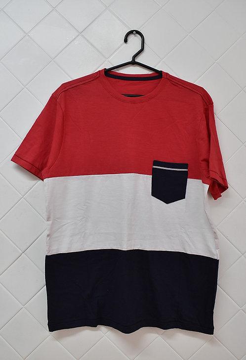 Camiseta Masculina em Três Cores Branco, Vermelho e Azul