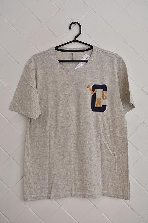 Camiseta Masculina Cinza com Estampa Lateral