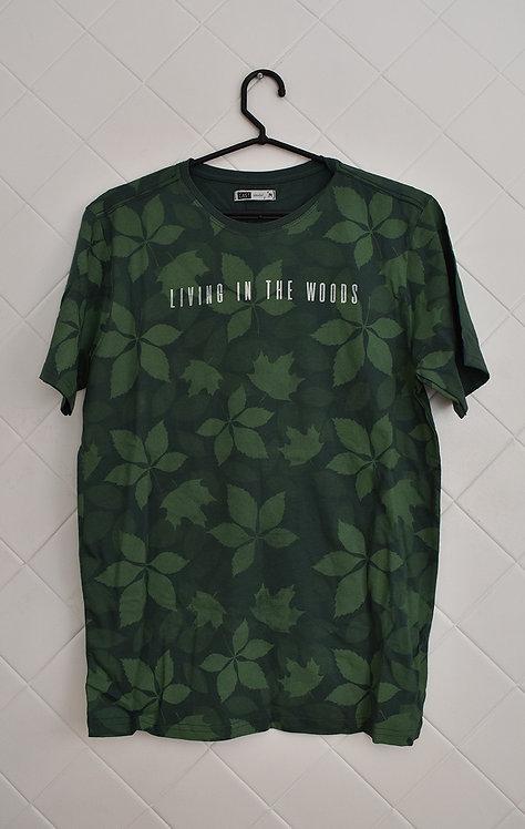 Camiseta Masculina Verde com Estampa de Folhas