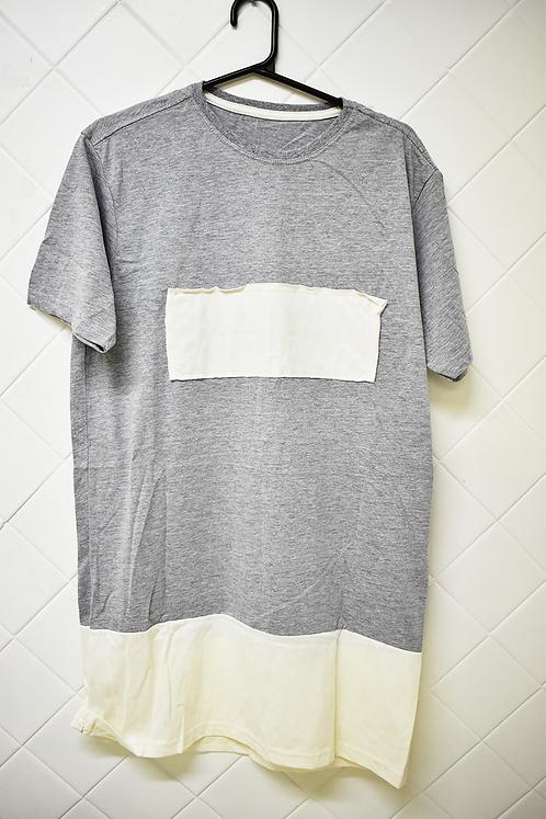 Camiseta Masculina Cinza com Recortes em Branco