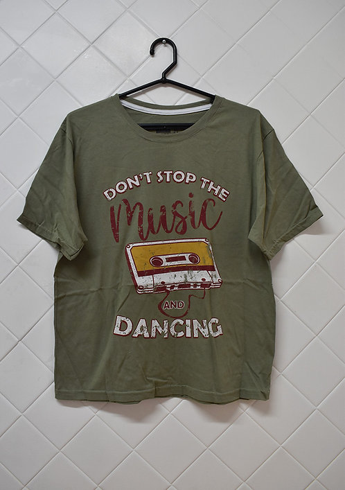 Camiseta Masculina Verde Don´t Stop The Music