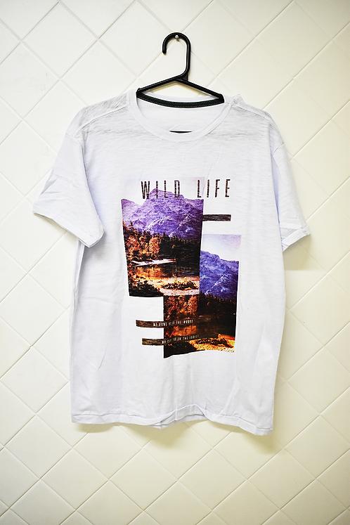 Camiseta Masculina Branca com Estampa Wild Life
