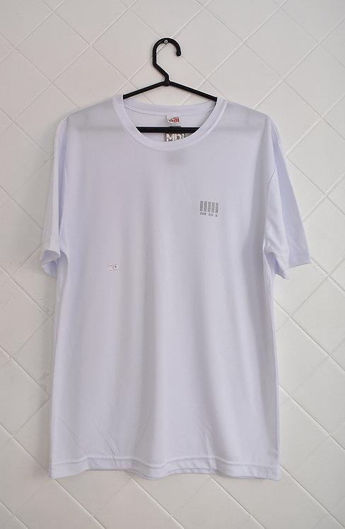 Camiseta Masculina Branca com Detallhe em Cinza