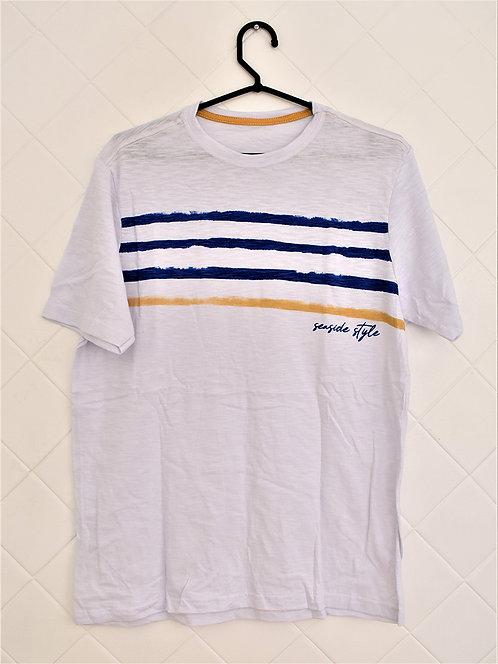 Camiseta Masculina Branca com Listras Azuis e Mostarda